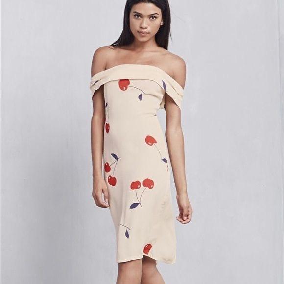 Reformation Dresses & Skirts - Reformation Carerra Dress Size XS